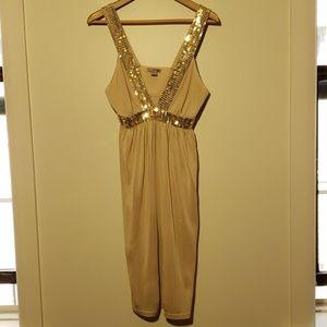Biege trend dress with glitter
